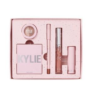 kylie cosmetics holiday